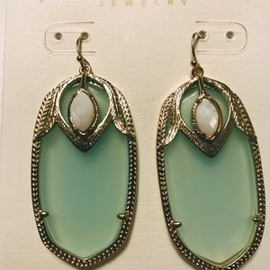 New Kendra Scott turquoise and white earrings